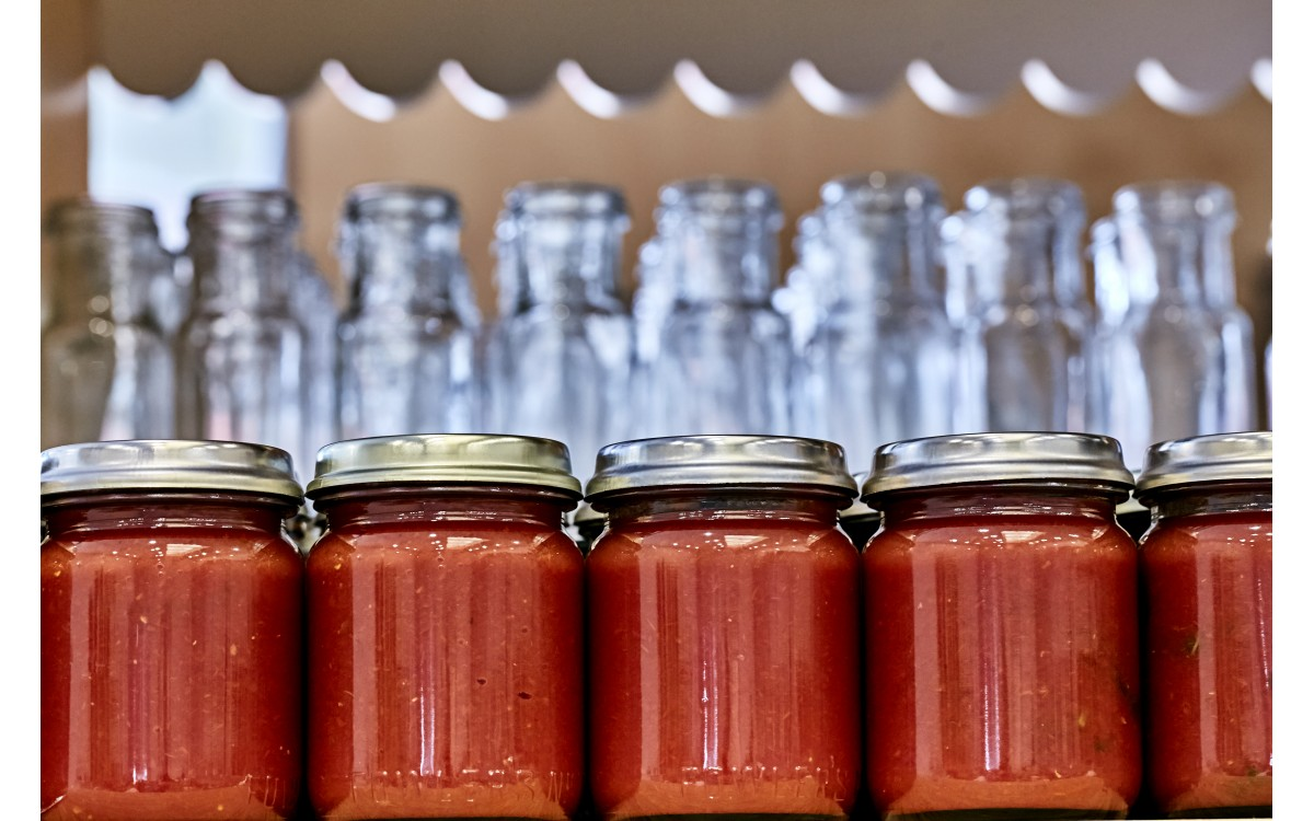 Spicy Bottled Tomatoes